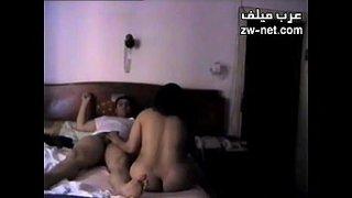 فيلم زوجة محرمة مارس الجنس العربي على Wahmbahm.com