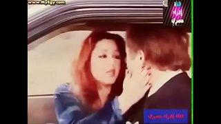 بوس شفايف مارس الجنس العربي على Wahmbahm.com