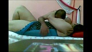 لبناني يصور فيلم سكس وهو ينيك زوجته الجميلة العربية مجانا كس اللعنة